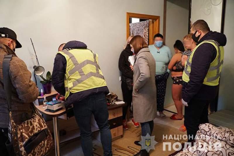1200 грн на годину: у Тернополі викрили бордель, у якому працювали дівчата з Житомирщини